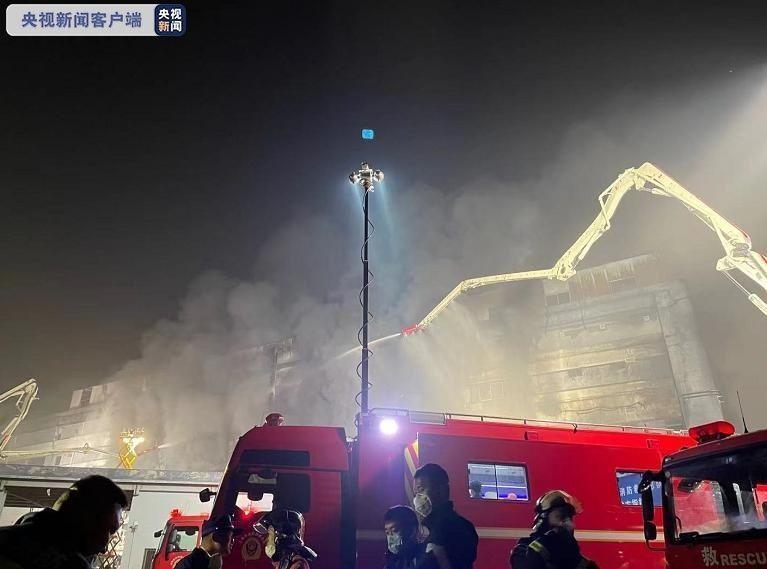 上海金山厂房火灾致8人遇难,其中2人为消防救援人员